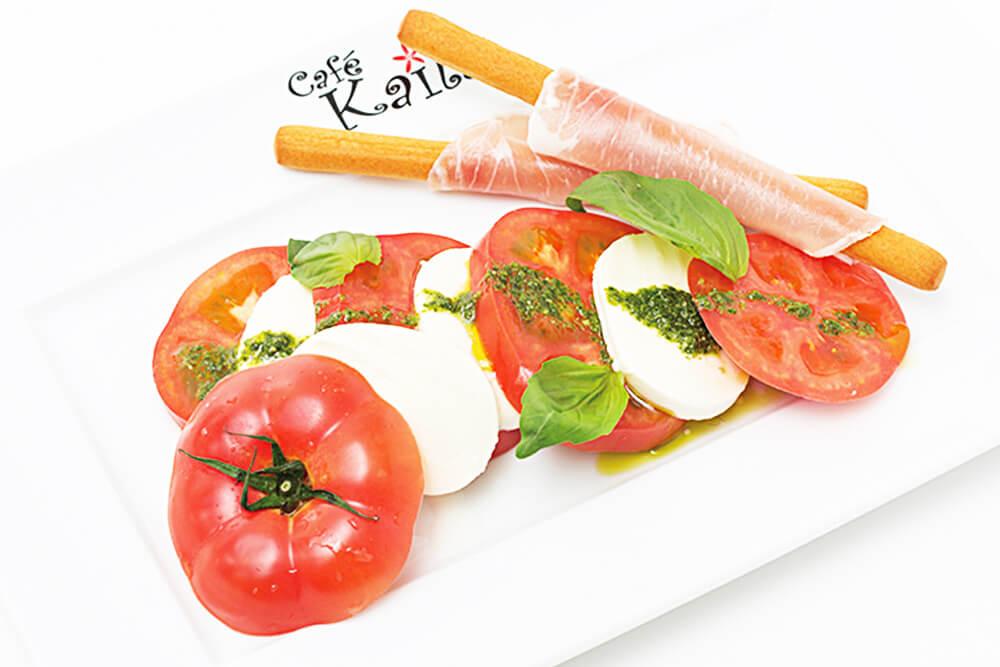 まるごとトマトのカプレーゼ