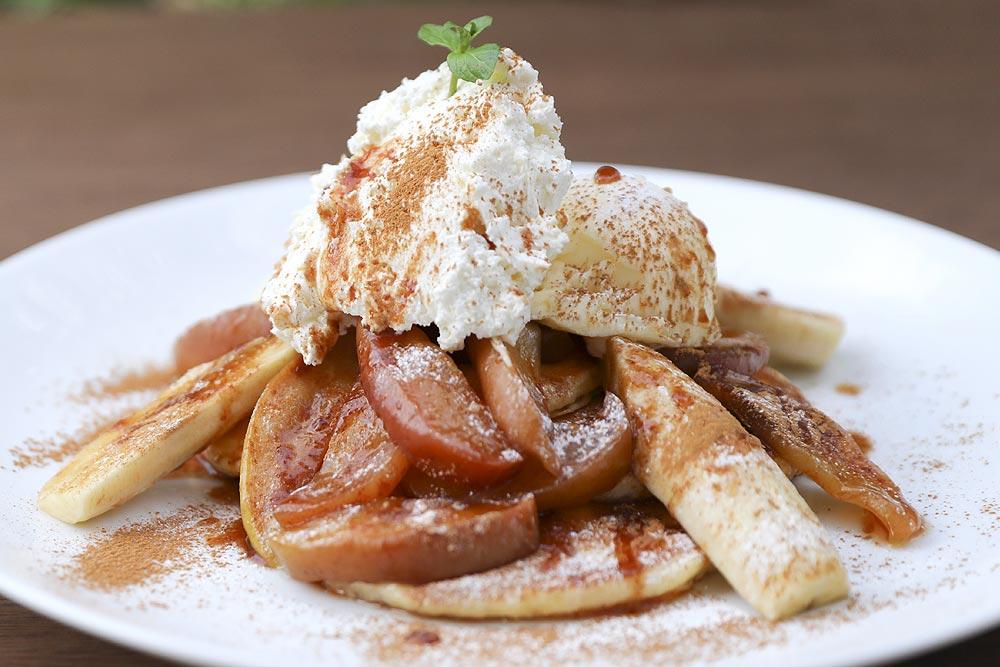 シナモンアップル&チーズクリームパンケーキ